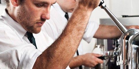 Koffie barista aan het werk. #koffie #barista #coffee