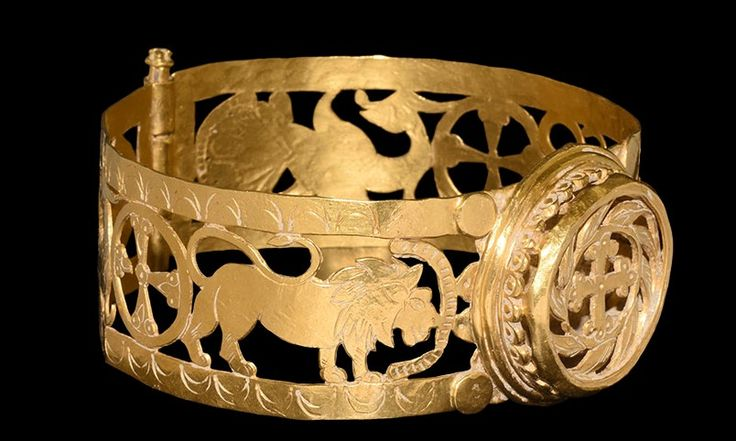 Byzantine Gold Bracelet with Cross and Lions, 5th-6th Century AD