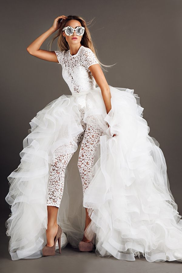 Fashion bride modeling HD picture