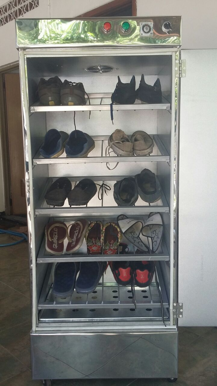 Mesin pengering sepatu yang didesain menyerupai rak yang dapat mengeringkan sepatu dalamjumlah banyak dan cepat serta aman. #pengeringsepatu #pengeringsepatumurah