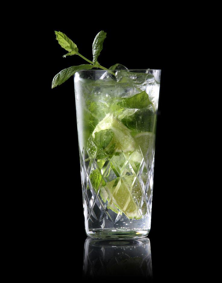 De Mojito: nummer 1 van de cocktail top-10 bij TROPICAL. Benieuwd naar deze smaaksensatie? Benut deze dan tijdens de Ladies Night!