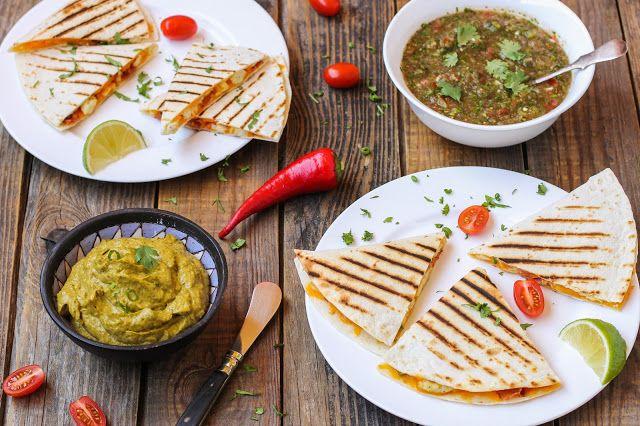 food geek: Кесадилья на завтрак с соусами сальса и гуакамоле