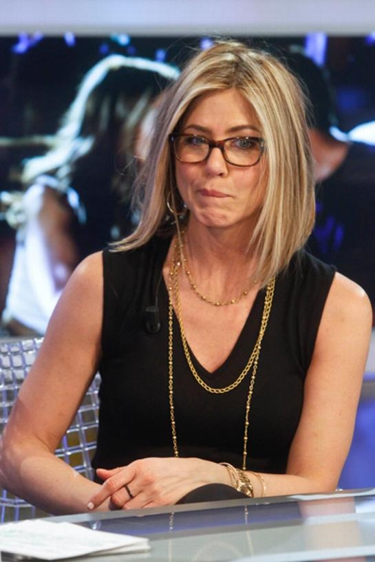 jennifer aniston rocking persol pearle vision