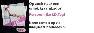 Kraamkado  Een ID-Tag geinspireerd op het geboorte kaartje. Met op de achterzijde de 06 nummers van paps en mams. Mail voor de mogelijkheden naar info@feestineendoos.nl