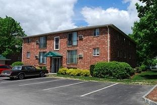 Highland Estates Apartments:  at 93 West Street!  Close to the Milford oval, schools and Rte 101.  Free Heat & Hot Water in your apartment! Great location and amenities, Now You too can live the Red Oak Life! www.redoakproperties.com #redoaklife #apartmentsearch #southernnh