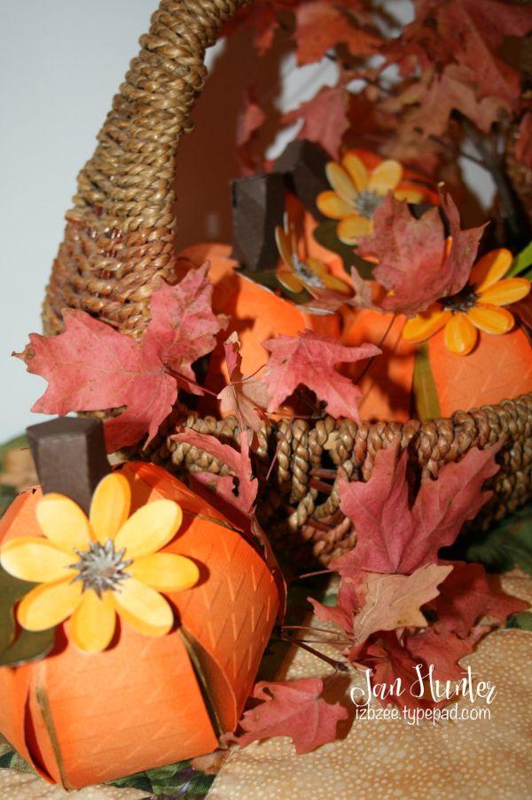 Thanksgiving pumpkins @svgcuts @Sizzix #sizzixeclips @CrafwellUSA