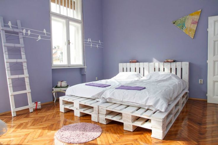 White Pallet Platform Double #Bed - 125 Awesome DIY Pallet Furniture Ideas | 101 Pallet Ideas