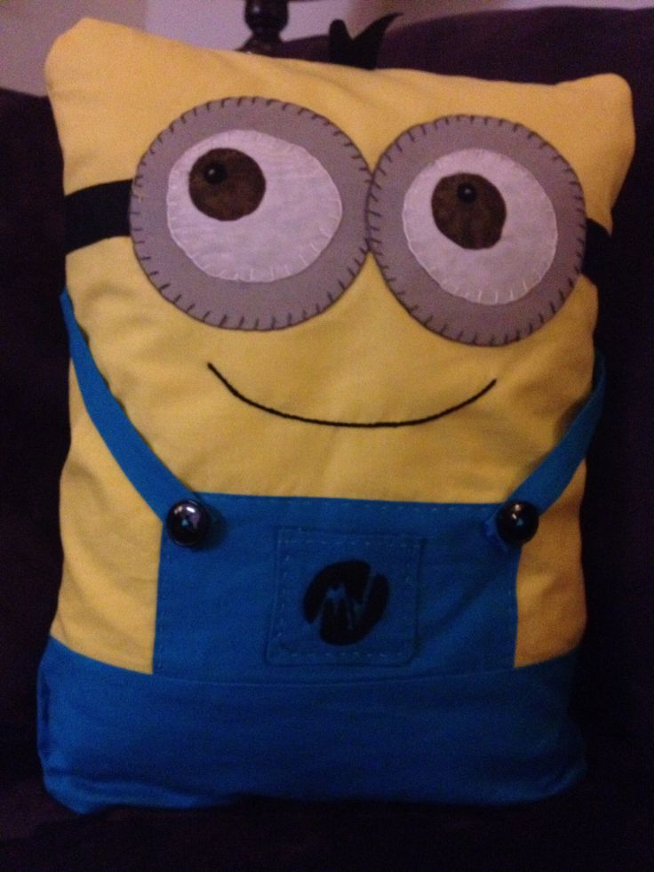Free Minion Cushion Crochet Pattern : 25+ best ideas about Minion Pillow on Pinterest Crochet ...