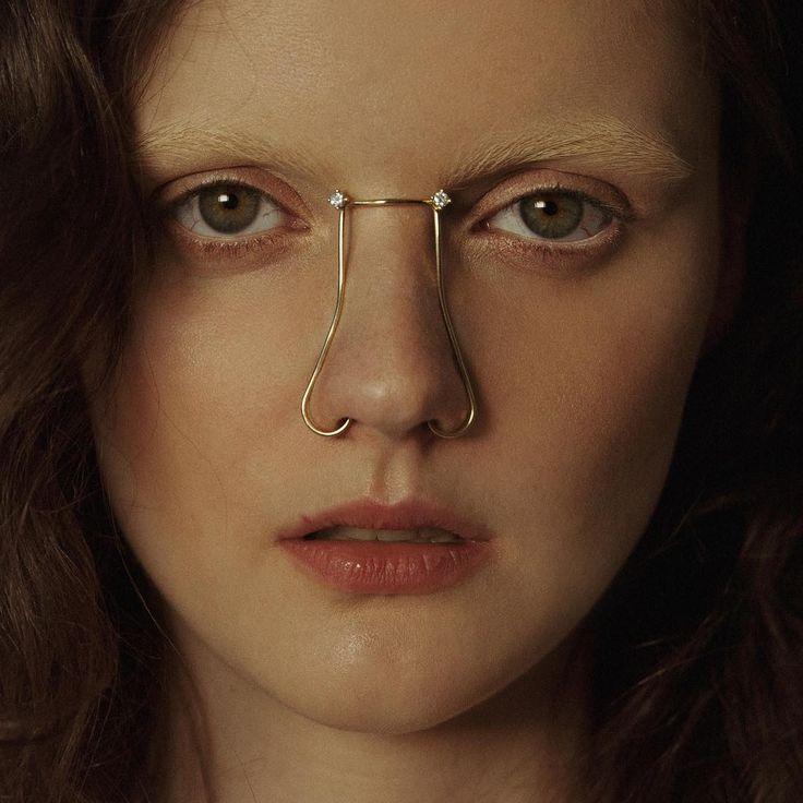 I nuovi piercing naso di Joanne T sono veri e propri gioielli per il viso