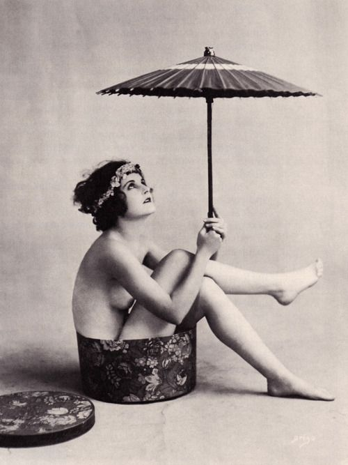 Waiting for the sun in the 1920s | 1920s | Pinterest | Vintage, 1920s and Vintage photography