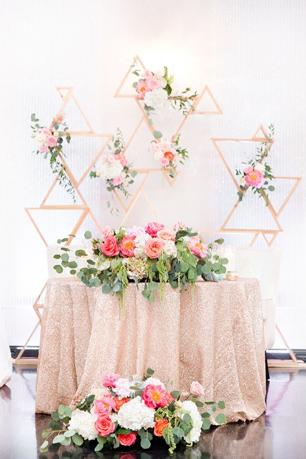 sweetheart tables - photo by Amy & Jordan Photography http://ruffledblog.com/bright-summery-arizona-wedding