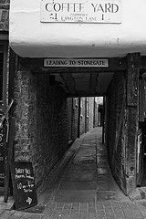 Coffee Yard (Your Funny Uncle) Tags: york england alley yorkshire shortcut alleyway ginnel snicket snickleway snickelway snickleways raccourci snickelways
