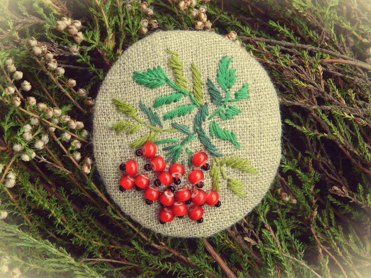 "linen with embroidery brooch Брошь льняная ""Рябина"""