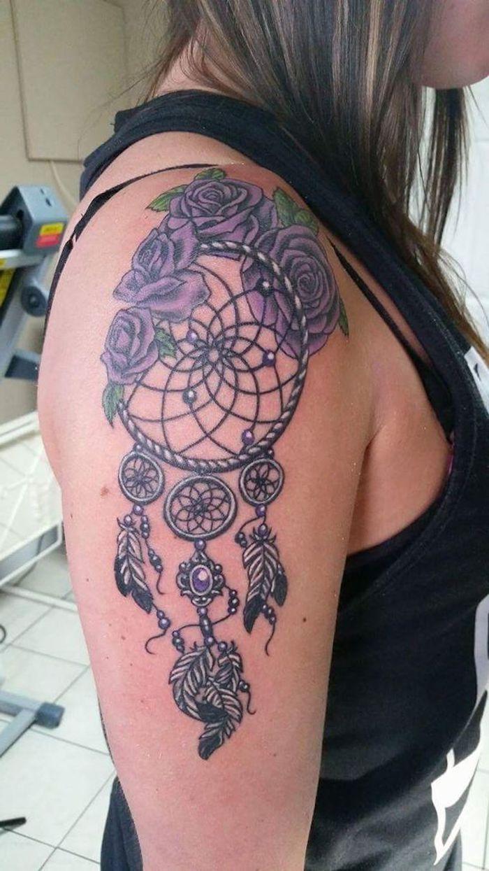 Pin eulen tattoo bedeutungen f on pinterest - Eine Idee F R Einen Tattoo Auf Dem Schulter Einer Frau Mit Lila Gro En Rosen Und Einem
