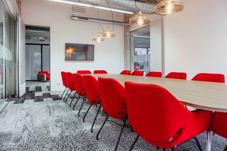 Trifleet Leasing HQ Dordrecht - Esther Canisius. Office Interior Design. Photography by Michel de Groot