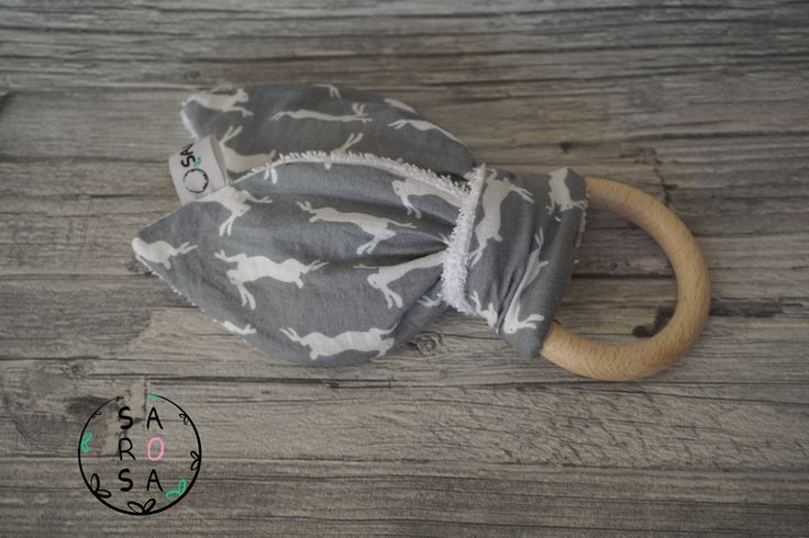 Rasseln & Greiflinge - Greifling Beißring aus Holz mit Knister-Hasenohren - ein Designerstück von sarosaeu bei DaWanda
