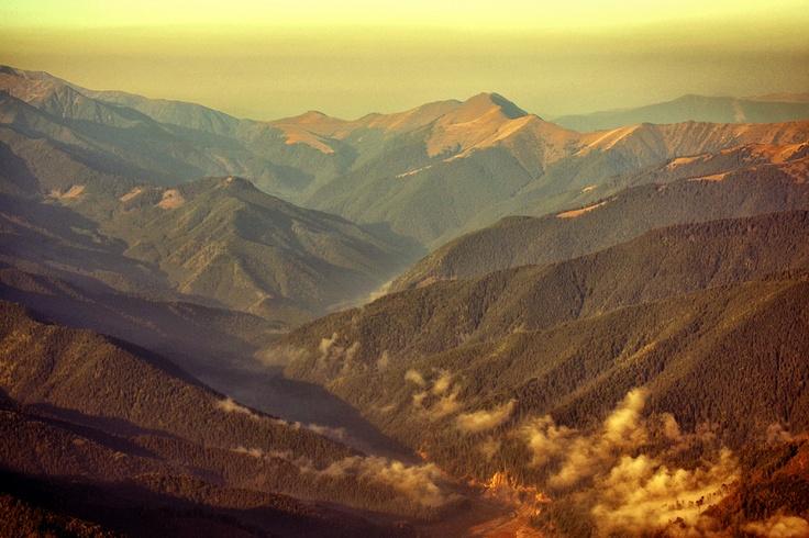 Landscape over Fagaras Mountains from Romania. :) http://www.zborpestetransilvania.ro/peisaje-din-zbor-2/