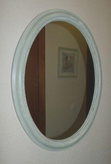 Espejo antiguo renovado con chalk paint y efecto decapado y envejecido.