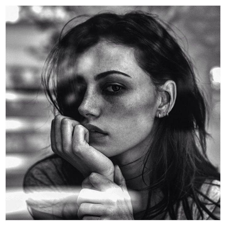 Resultado de imagem para phoebe tonkin tumblr black and white