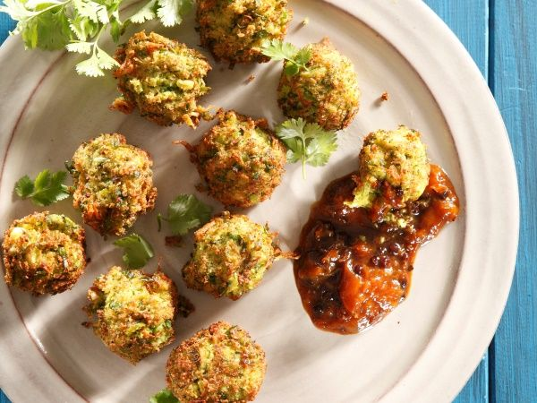 Almond and broccoli bites with peach chutney • A wonderful side or starter recipe with friends or family. Make the peach chutney and keep it in an airtight container for up to 2 weeks in the fridge.