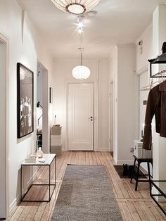 Industrial Style kann auch im Flur eingesetzt werden - schließlich ist der Eingangsbereich der erste Hingucker im Eigenheim!