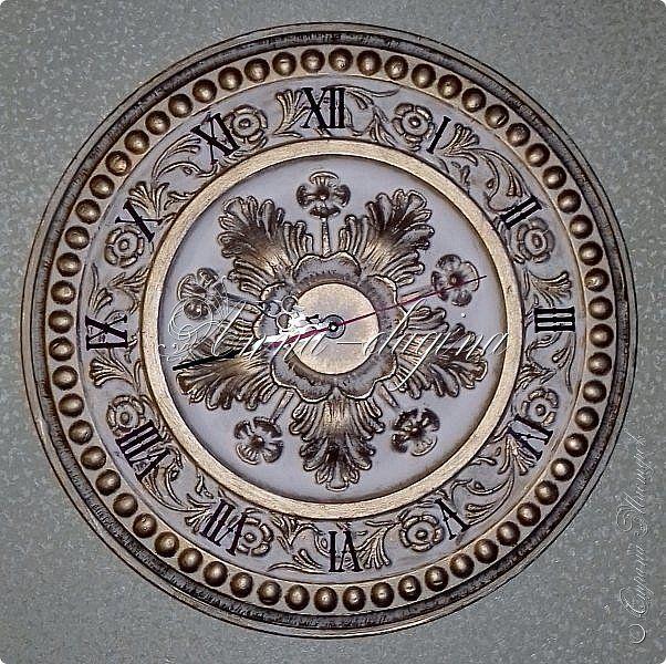 Часы настенные из потолочной розетки