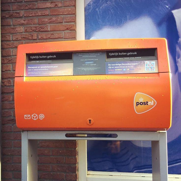 Dutch post.  オランダのポスト王国の冠マーク付き . . . #amsterdam #netherlands #holland #travel #trip #worldtraveler #post #postnl #letterbox #世界のポスト #dutchorange #orange