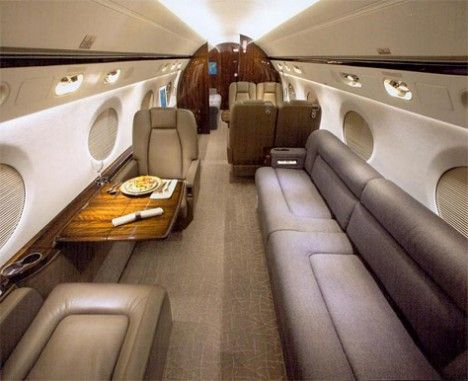 Very nice inside on this gulfstream jet