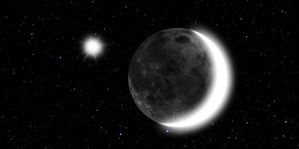 La splendida congiunzione Luna-Venere, sovrastata dalla stelle cadenti