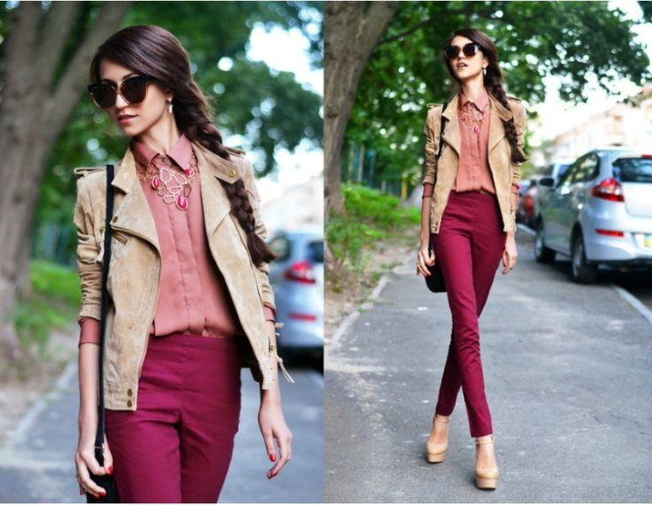 Красные брюки, персиковая рубашка, бежевый пиджак, бежевые туфли