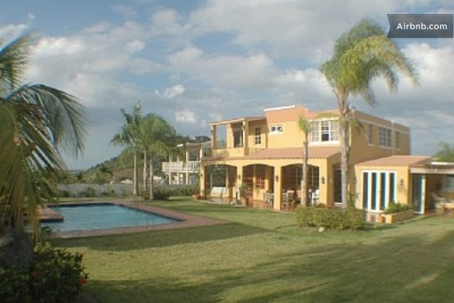 Rainforest and Luquillo BeaCH Villa in Luquillo