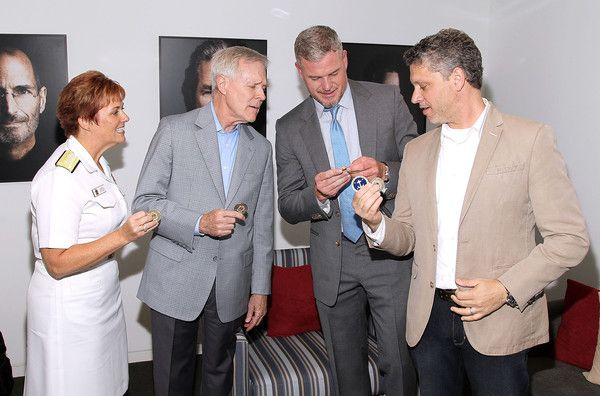 Eric Dane Photos Photos - (L ro R) Admiral Dawn Cutler, Secretary of the Navy Ray Mabus, Actor Eric Dane and Executive producer Steven Kane exchange Challenge Coins backstage at the TNT 'The Last Ship' Washington D.C. Screening at The Newseum on June 12, 2015 in Washington, DC. - TNT's 'The Last Ship' Washington D.C. Screening