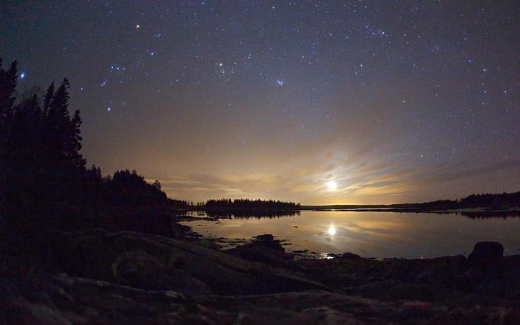✯ Moonset over Pleasant Bay, Winnipeg, Canada