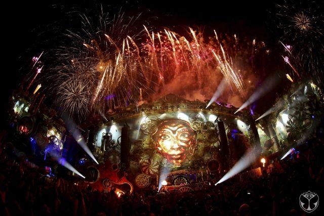 http://turnupthebass.net/2015/07/17/watch-tomorrowland-live-stream-july-24-25-26/ #tomorrowland