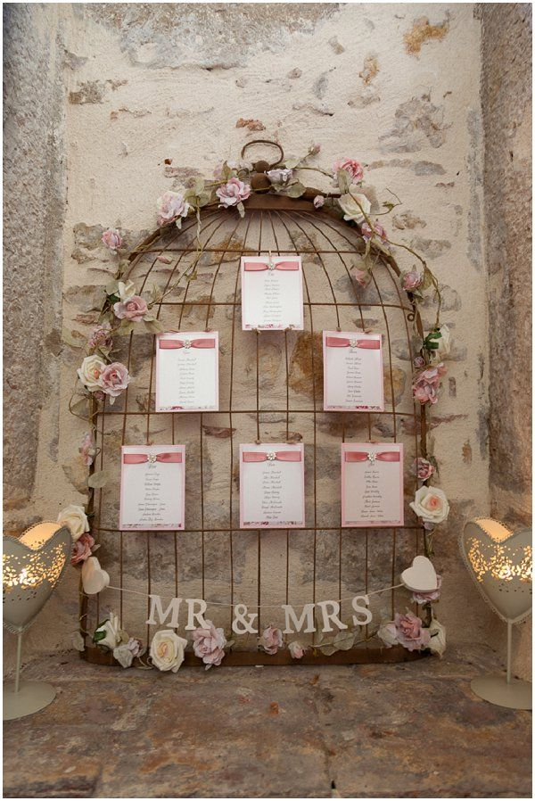 wire birdcage table plan | Image by Belle Momenti Photography