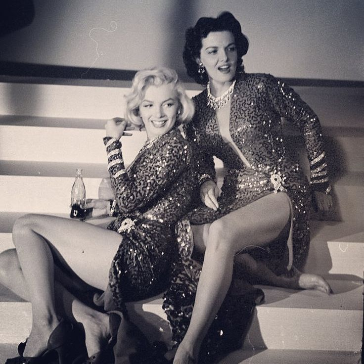 "1953, Los Angeles (enjoying a break on the set of ""Gentlemen Prefer Blondes"" with her co-Star Jane Russell)... [ Ed Clark] ✨ ""Sometimes I feel my whole life has been one big rejection."" - Marilyn Monroe ✨ #marilynmonroe #mymarilyn #marvellousmarilyn #marilyn #monroe #marilynmonroefan #forevermarilynmonroe #normajeane #normajeanebaker #beautiful #oldhollywood #goldenageofhollywood #legend #icon #muse"