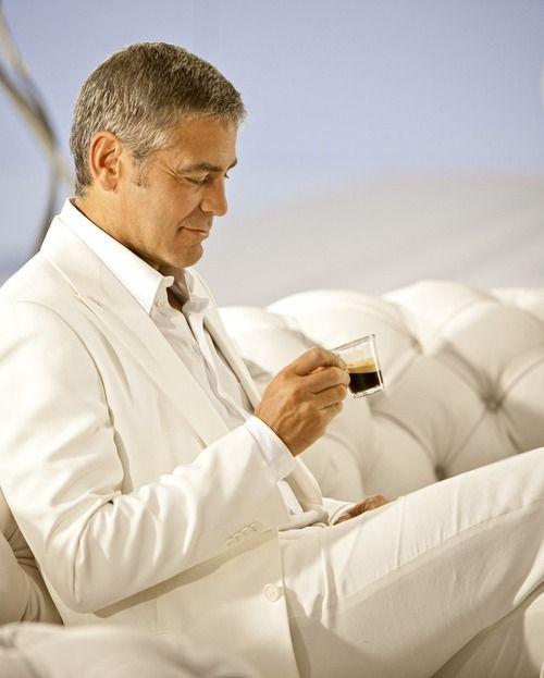 Marie's Tumblr - Daily Notes, youngsophisticatedluxury: George Clooney   ...In modewinkels voor mannen mogen de vrouwen even koffie drinken, terwijl mannen passen. Als ze zich er tenminste niet mee willen bemoeien. hahaha.