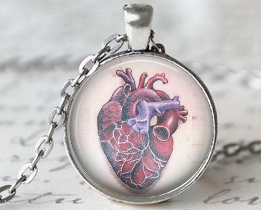 Herz Anatomie, Tattoo Kette Anhänger von KISS Knowledge Is So Sexy auf DaWanda.com