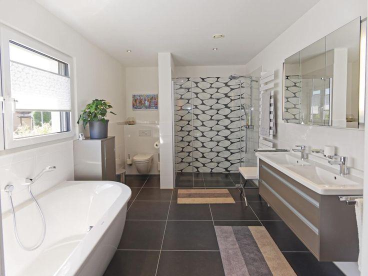 Top Badezimmer Fliesen modern mit Badewanne & Dusche bodengleich FX44