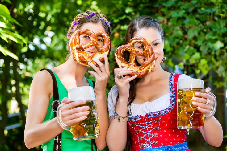 Prost, mitanand! Oktoberfest: Beer, Dirndl, pretty boys and girls and brezl-glasses!