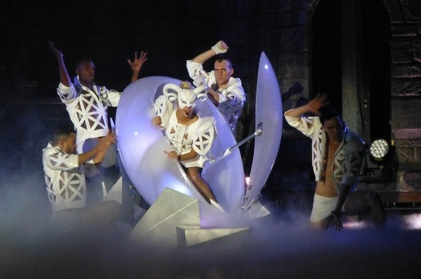 Lady Gaga Photo - Lady Gaga's theatrical live performance