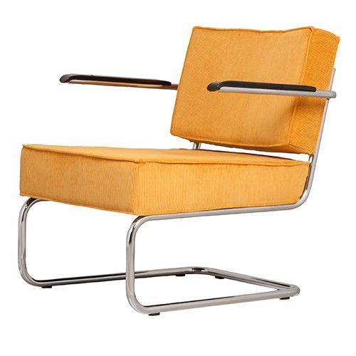 Hoe veelzijdig kan een fauteuil zijn?!  Ridge Lounge Rib van Zuiver is er niet alleen met en zonder armleuningen, maar ook in meerdere trendy kleuren. Bovendien is hij met en zonder bijpassende hocker verkrijgbaar.  Materiaal: 88% nylon/12% polyamide Armleuning: bakeliet  Maximaal draaggewicht: 120 KG