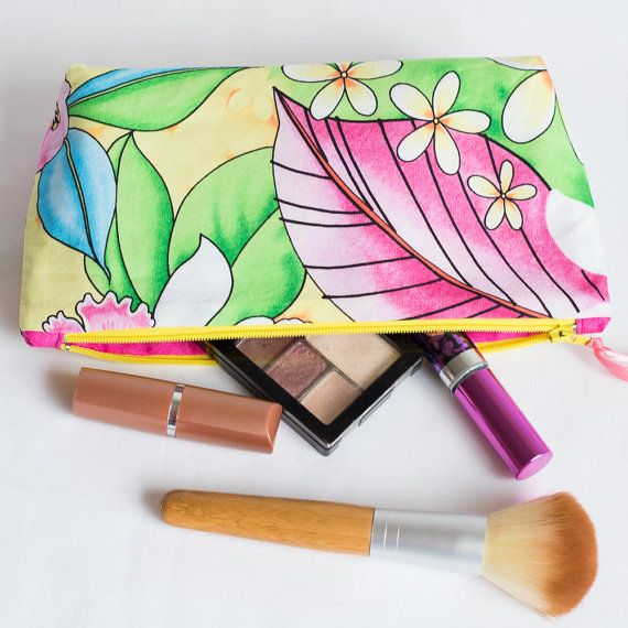 A smell of coconut is in the air with this lovely Hawaian spirit bag. Available in 3 different sizes: https://www.etsy.com/listing/264751300/cosmetic-bag-makeup-pouch-hawaian-spirit?ref=shop_home_active_14