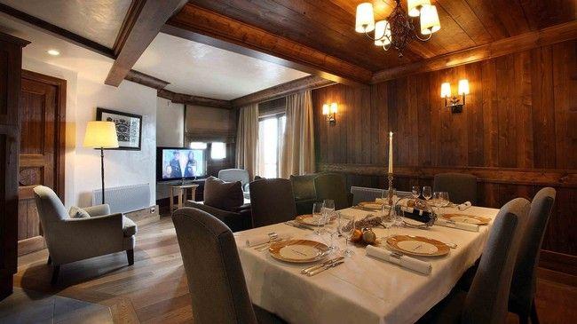 Séfek főznek a luxus faház vendégeinek