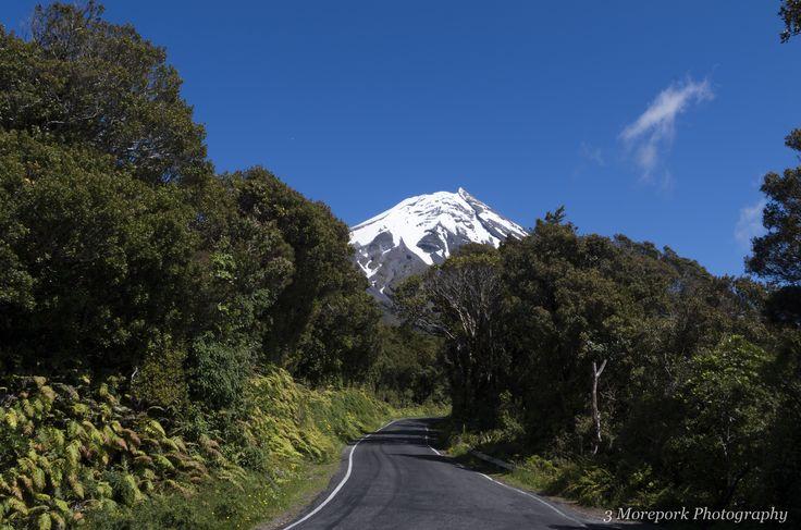 Mt Taranaki / Mt Egmont basking in the sun