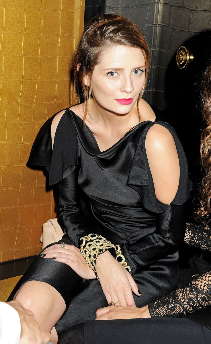 Mischa looked so elegant at the johnnie walker gold label reserve launch