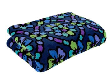 I would really love to Win this!  Help me out?  Throw Blanket | Vera Bradley  http://apps.facebook.com/vbdressyourdorm?pbb_qsi=66196623&=PBB_DressYourDorm_624_PPIMEMAILVerabradley Dorm, Pop Vera, Vera Bradley Blanket, Blankets In Indigo Pop, 49 00 Verabradley, Bradley Patternbeach, Bradley Throw, Blankets Indigo Pop, Throw Blankets