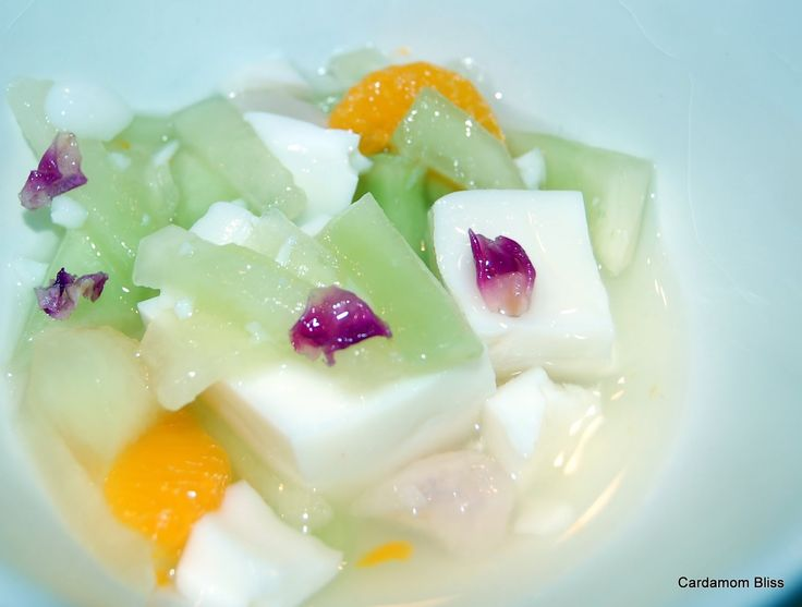 Cardamom Bliss: It's not your mamma's cooking: Almond Panna Cotta with Lychees, Mandarins and Hon...