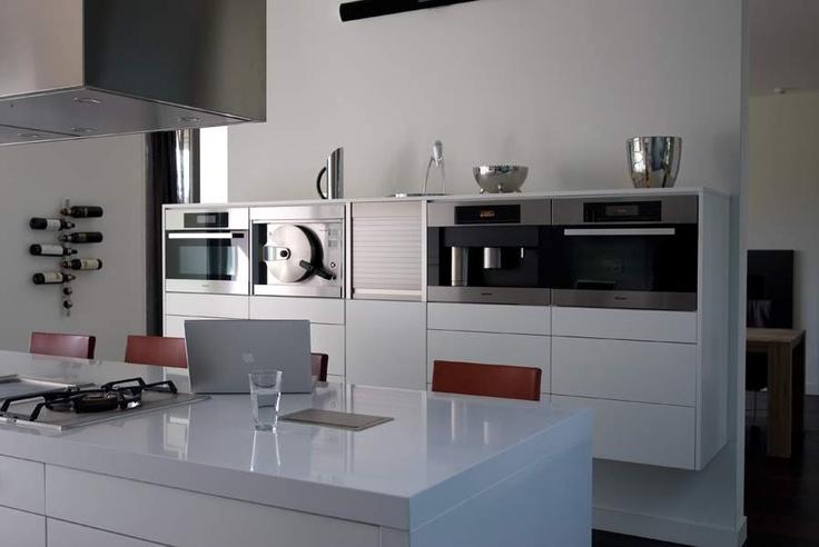 Moderne keuken in een luxe villa