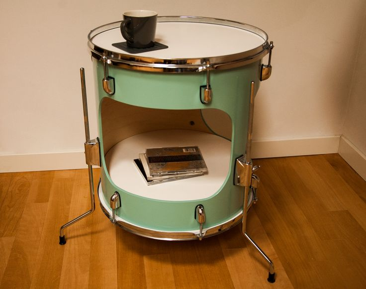 Brandhout meubels - great furniture made of drums!
